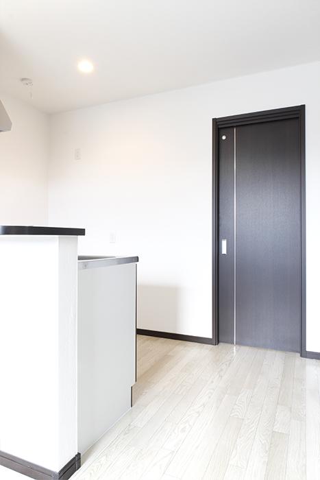 さてさて、キッチンの後ろ側にある扉の向こうには・・・_MG_9187s