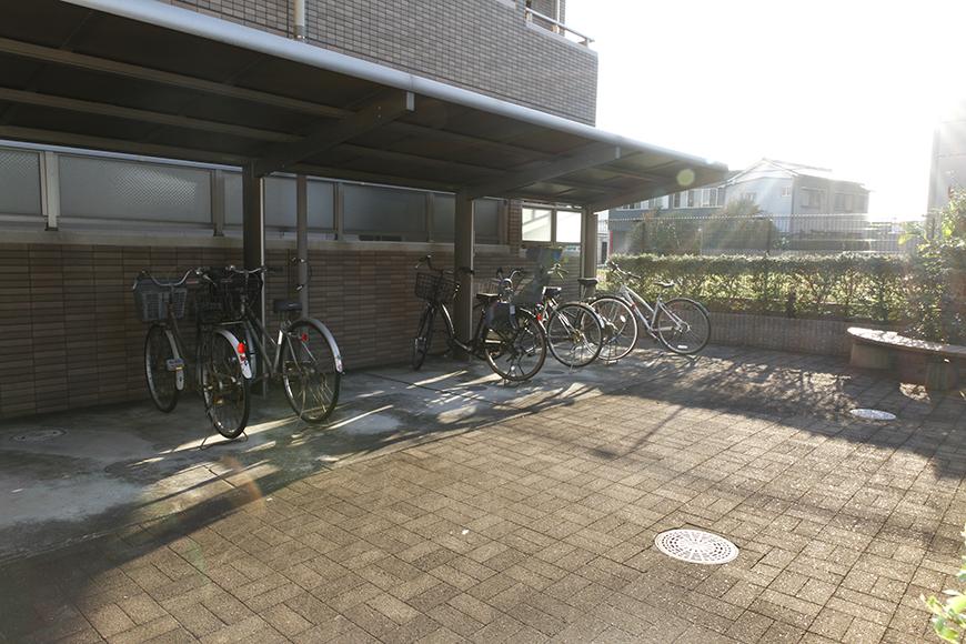 自転車置き場もひろびろです_MG_9251