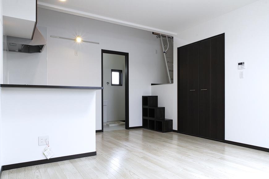 ロフトがあり立体的な部屋になっていて、オトナの秘密基地っぽい!_MG_9270s