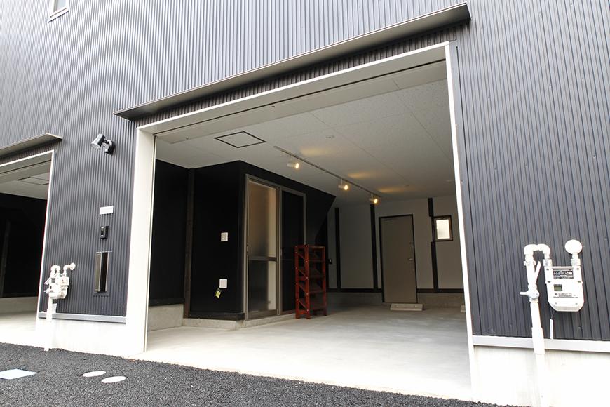A2号室のガレージ前です_MG_9366s