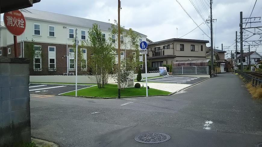 2つ目の角を超えたら、すぐそこがプリマグランデ須ケ口です。ここまで徒歩1分です(^_ー)ー☆_DSC_0242