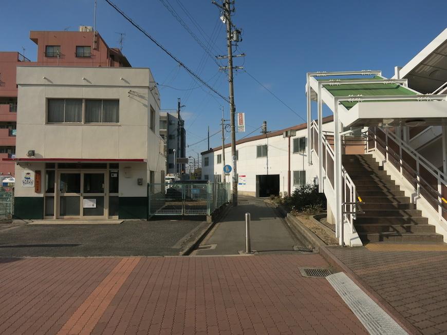 須ケ口駅の駅ビルから降りたところ_IMG_4178