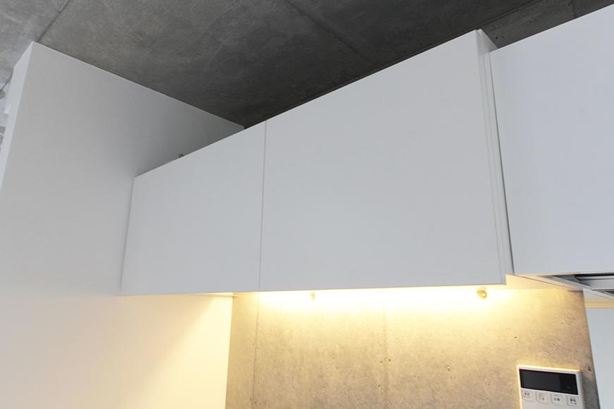 この1号室では数少ない装飾であるキッチン頭上の収納です!_MG_2166