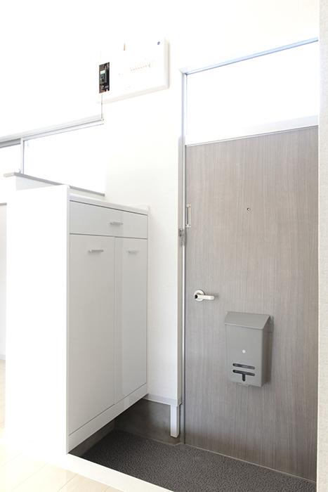 シューズボックス完備のキレイな玄関です_MG_3353