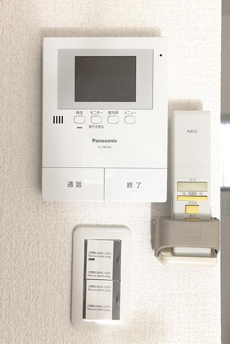 セキュリティ面もバッチリ☆モニタ付インターフォンなどもキッチンそばにあります_MG_3362