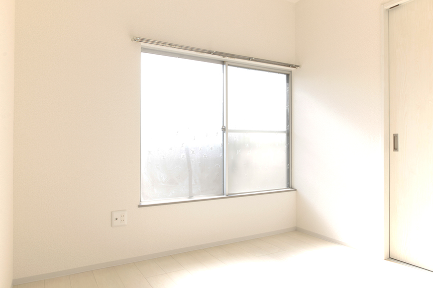 窓から燦々と差し込む日差し・・・穏やかな気持ちになって行きます_MG_3395