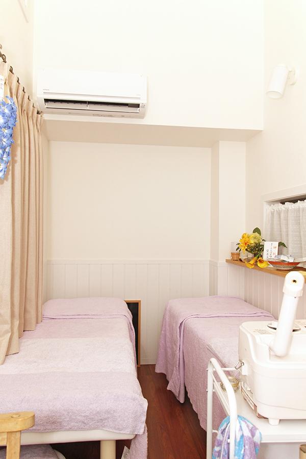 ベッドは2台、置いています_MG_9388