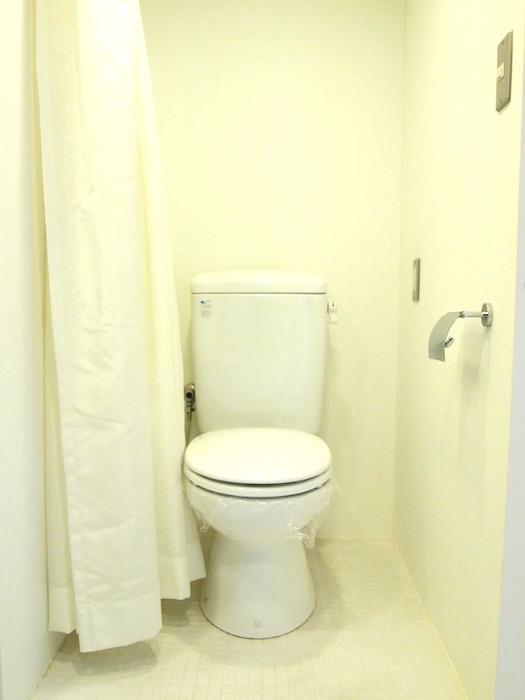 三鈴ノール カーテン付きトイレ