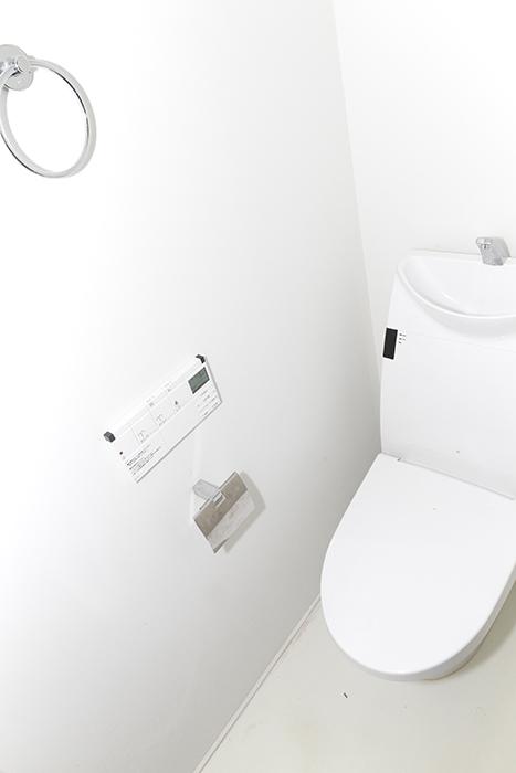 トイレもシンプルでキレイ☆当然ウォシュレット完備!_MG_0006