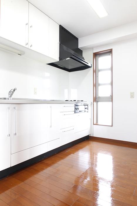 明るいキッチンで朝から気分が上がり、きっと料理もひと際美味しく仕上がること間違いナシ!_MG_0509