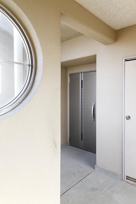 エレベータで上って目の前に501号室のドア_MG_0993