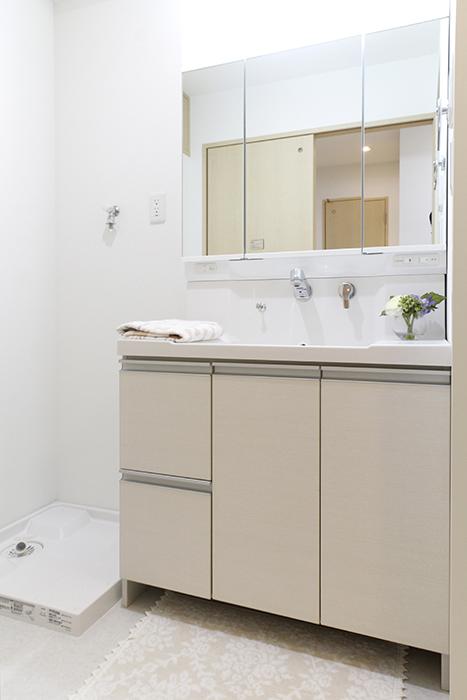 ピッカピカ☆の独立洗面台と室内洗濯機置き場_MG_4996