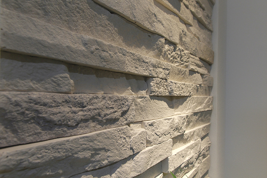 柔らかな雰囲気の中に、重厚感溢れる天然石がアクセント_MG_5019
