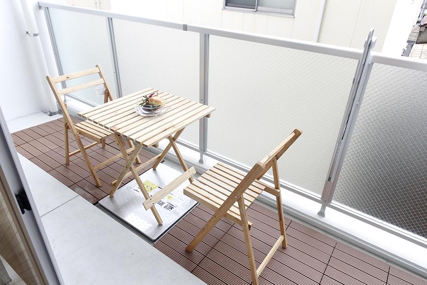 ベランダにはテーブルとイスをセッティング☆  陽気に誘われティータイム_MG_5097
