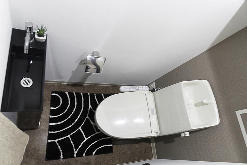 シンプル・スタイリッシュなトイレ☆一部屋一部屋異なる壁紙もチェック!_MG_5161