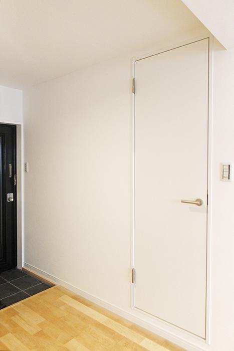 玄関寄りのコチラのドアを開けますと・・・_MG_9658
