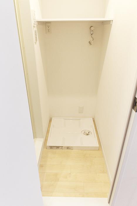 室内洗濯機置き場ですね。そして、左側には・・・_MG_9665