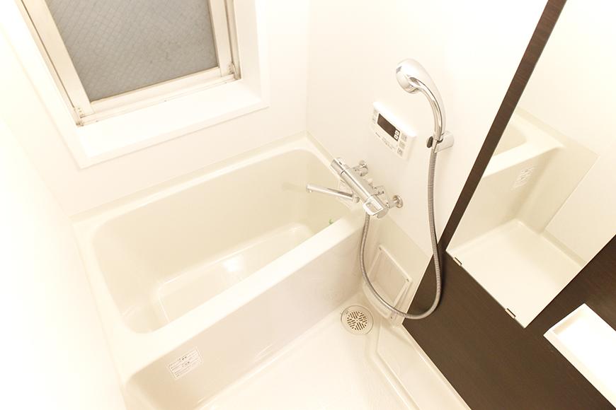 バスルームです!スッキリ・シンプルな癒しの空間です♪(浴室乾燥機付き!)_MG_9676