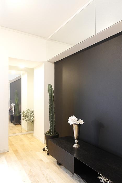 黒い壁に沿って歩いてみると・・・_MG_9780