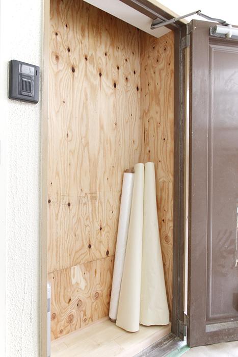 外に出てみますと、、、ご覧の通り、玄関が物置に・・・?_MG_9800