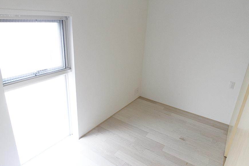 秘密基地の中のヒミツのお部屋☆でも割と明るくて、とってもコンパクトに収まる居心地の良いお部屋!_MG_9952