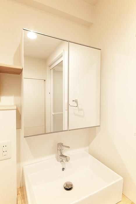 洗面の鏡は収納になっております☆_MG_6239
