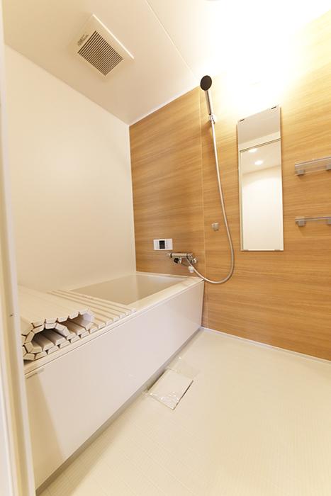 バスルームは落ち着く色合いのリラックス・ゾーン♪_MG_6243