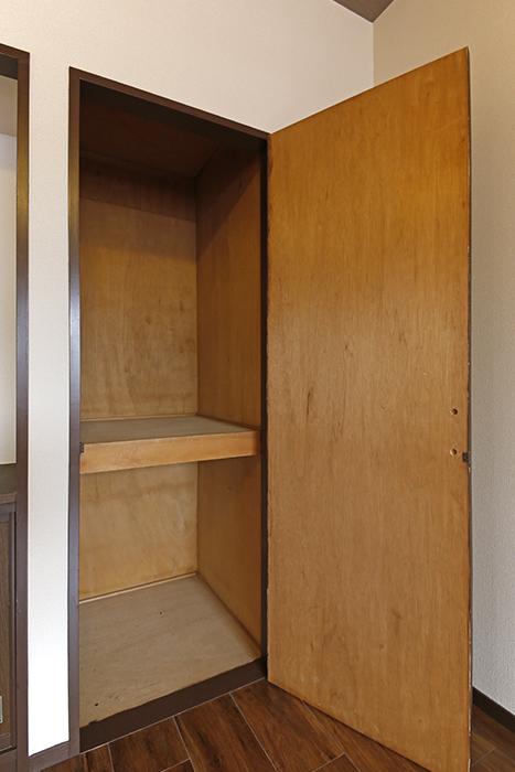 洋室には収納スペースもあります☆_MG_6691s