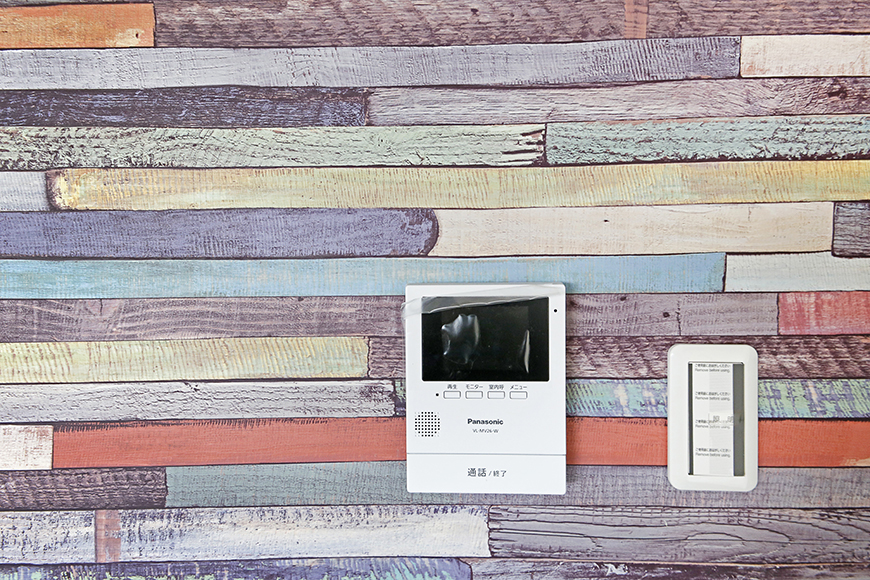 様々な個性を放つ壁紙たちです!そしてTVモニタ付インターフォンも完備です☆
