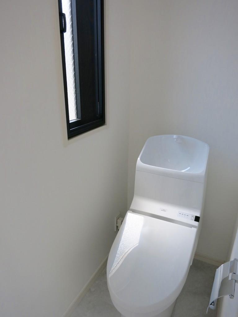 シンプルなトイレ_IMG_4842