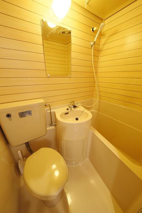 バス・洗面・トイレがコンパクトに収まる水回りです_MG_6647