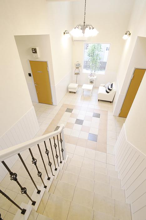 階段から見たホール、とっても素敵♡_MG_8453