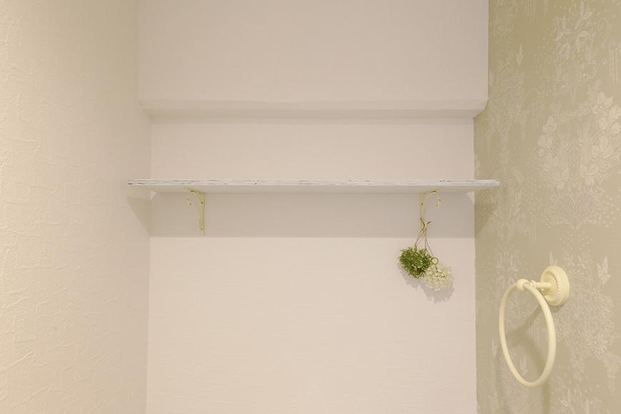 トイレにも棚があります_MG_8911