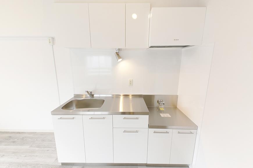 白を基調としたスッキリ・シンプルなキッチンです_MG_8929