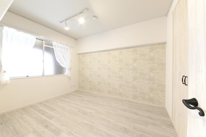 玄関入ってすぐに洋室があります!_MG_9049