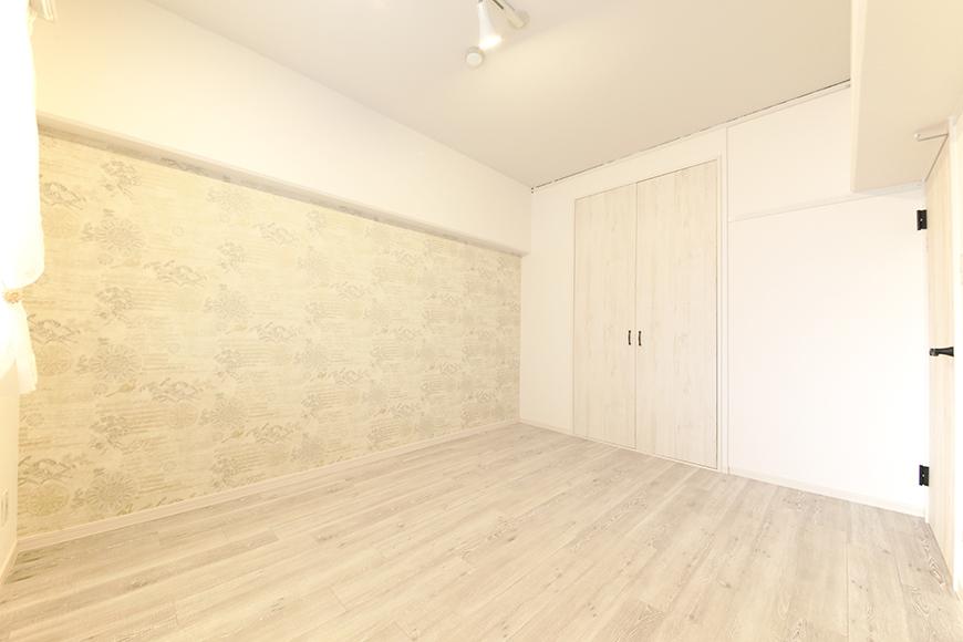 玄関からすぐの洋室(6帖)です_MG_9057