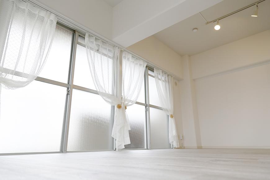 明るい部屋でゴロンと寝転ぶ幸せ・・・_MG_9148