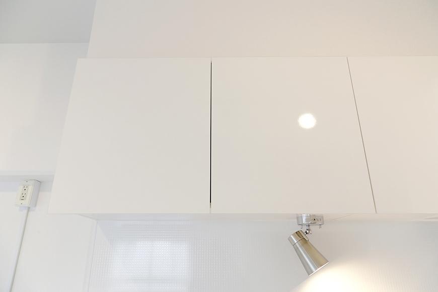 キッチン頭上の収納もタップリです_MG_9312