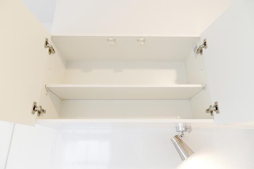 キッチン頭上の収納もタップリです_MG_9316