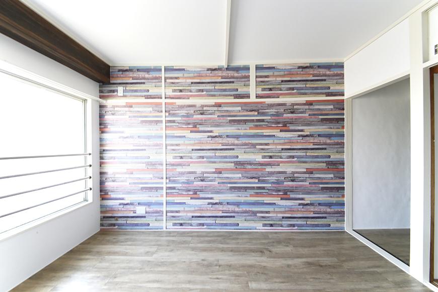 こちらの部屋も壁紙と床の素材感がマッチ!