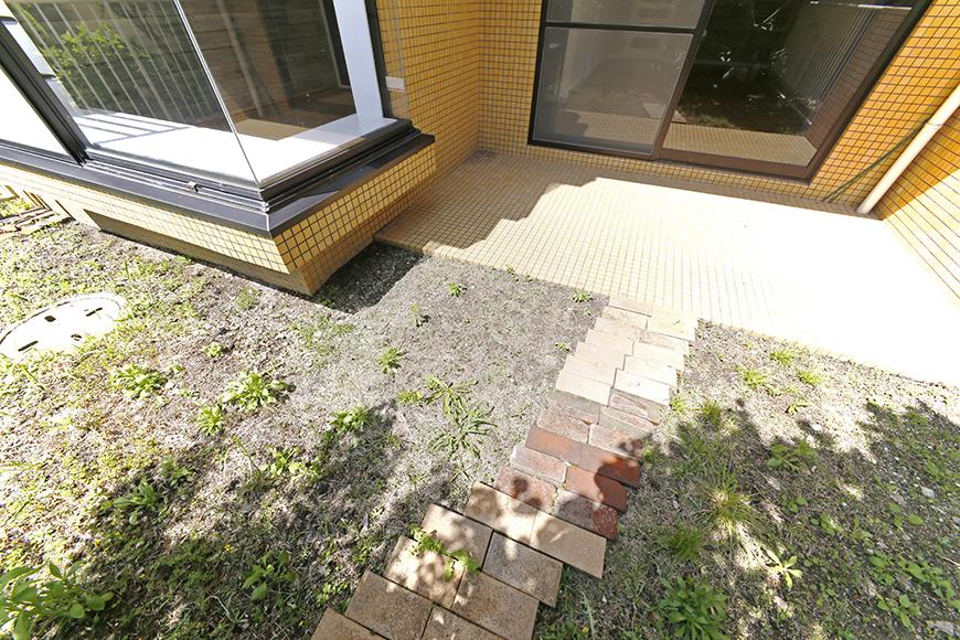 専用のお庭、、、やっぱりイイですね!  私もこの陽射しを浴びながら庭イジリしたいです☆