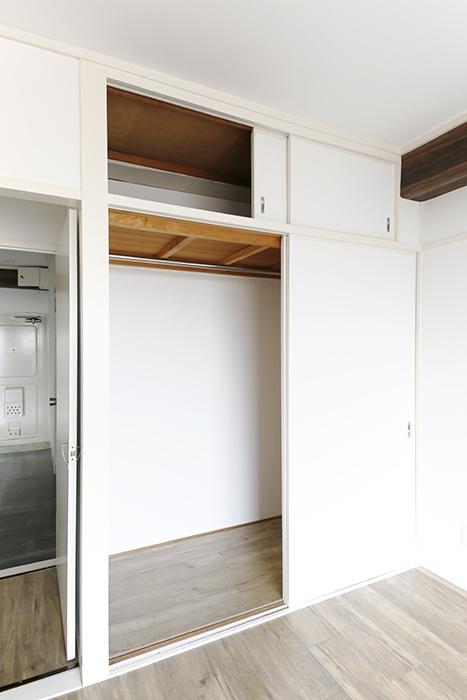 コチラの洋室には天袋とクローゼット収納!