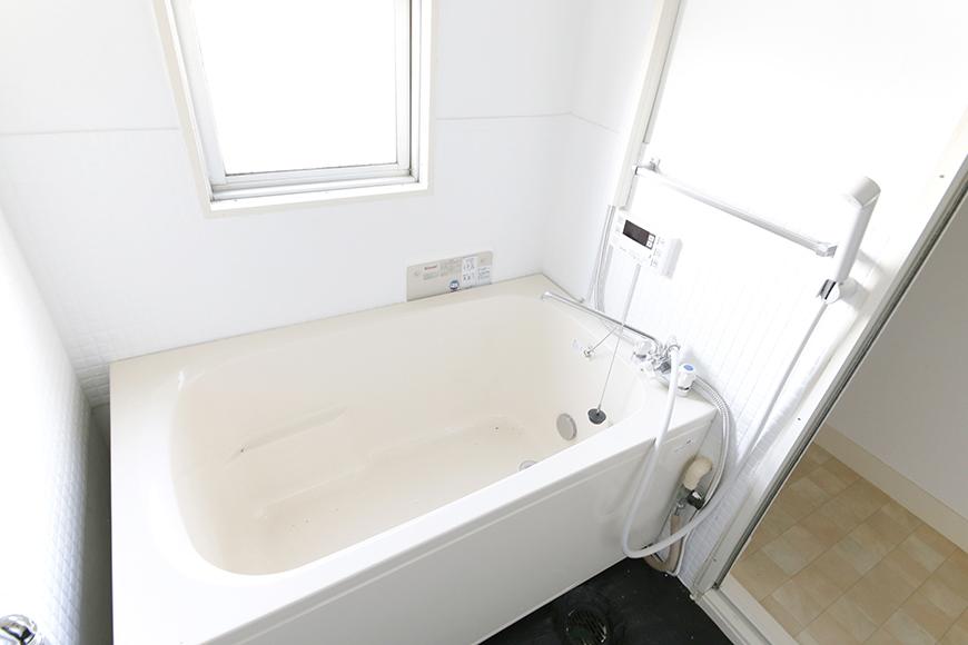 バスルームはこちら!  追い炊き機能付きで設備面もバッチリ!