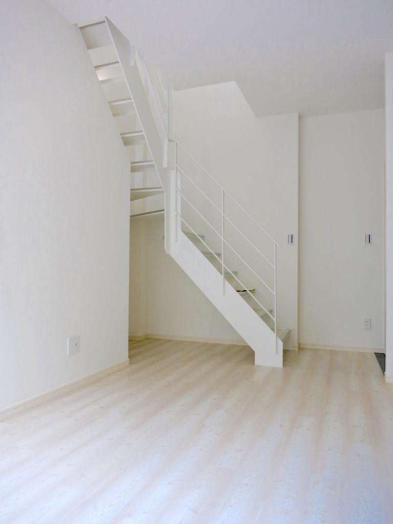 白い部屋とお洒落な階段_thumb_IMG_4814_1024