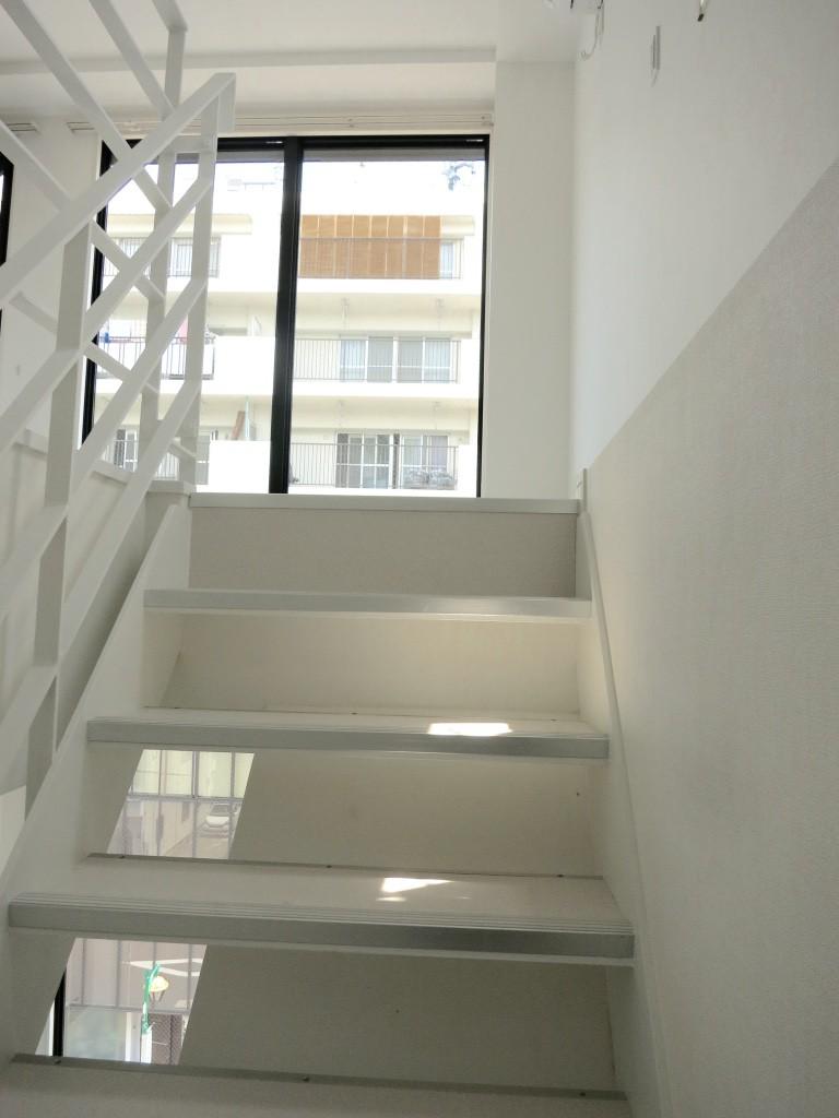 メゾネット階段から二階のお部屋へ_thumb_IMG_4853_1024