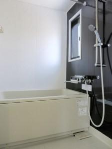 バスルーム、ダークブラウウンのお洒落な壁_thumb_IMG_4881_1024