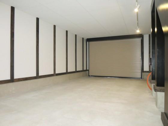 IMG_5253_rth ガレージ奥行き8.19m×幅4.55mのゆったりガレージ(ラ・カンパーニャ)