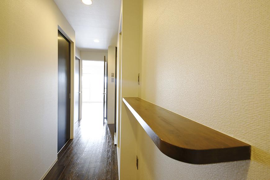 廊下にある棚に素敵な装飾を_MG_5086