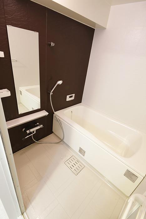 バスルームは シンプルながら重厚な印象☆_MG_5109