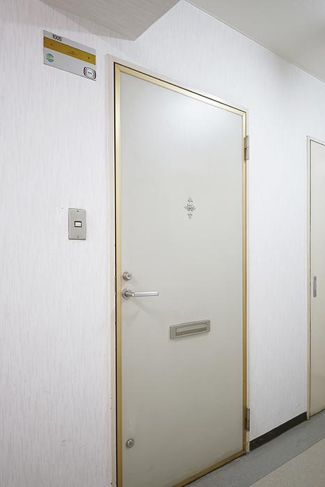 【ダイアパレス伏見】玄関のドアです_MG_8769